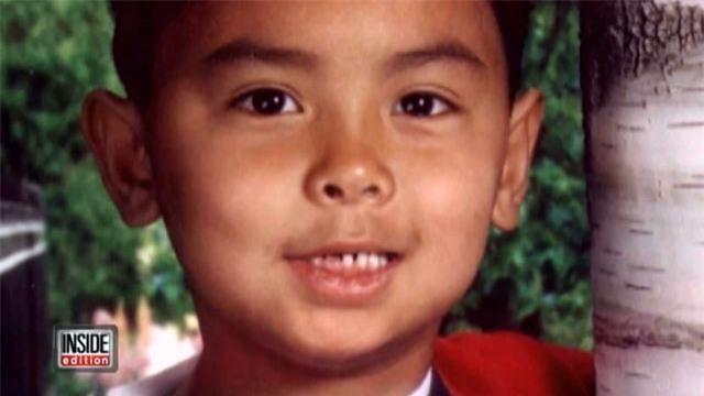 Thoát chết sau 6 nhát dao oan nghiệt của bố ruột, 10 năm sau cậu bé nói một câu khiến ai cũng nghẹn ngào - Ảnh 1.