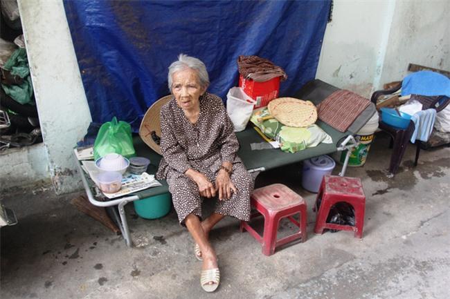 Chuyện đời bà cụ đi ở đợ 60 năm, có chồng con nhưng tuổi già đơn độc, sống nhờ người dưng trong hẻm nhỏ - Ảnh 4.