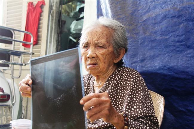 Chuyện đời bà cụ đi ở đợ 60 năm, có chồng con nhưng tuổi già đơn độc, sống nhờ người dưng trong hẻm nhỏ - Ảnh 7.