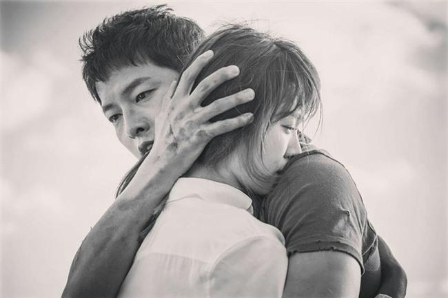Bạn đời của 3 bà hoàng Kbiz Kim Tae Hee, Jeon Ji Hyun và Song Hye Kyo: Phải giàu và đẳng cấp đến mức nào? - Ảnh 25.