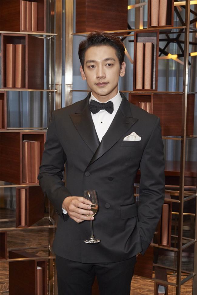 Bạn đời của 3 bà hoàng Kbiz Kim Tae Hee, Jeon Ji Hyun và Song Hye Kyo: Phải giàu và đẳng cấp đến mức nào? - Ảnh 5.