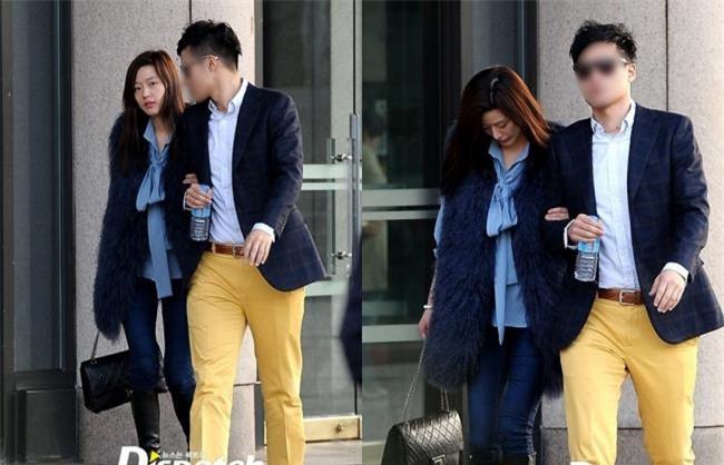 Bạn đời của 3 bà hoàng Kbiz Kim Tae Hee, Jeon Ji Hyun và Song Hye Kyo: Phải giàu và đẳng cấp đến mức nào? - Ảnh 7.