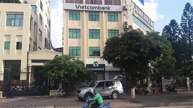 Hà Nội: Hai người phụ nữ đánh nhau ngay tại ngân hàng vì số thứ tự xếp hàng - Ảnh 5.