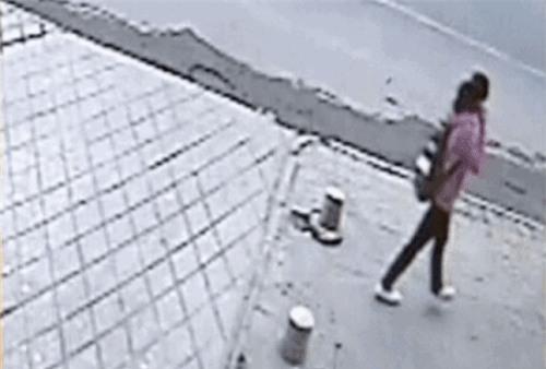9 lý do cho thấy vừa đi bộ vừa nhắn tin là một việc làm vô cùng nguy hiểm - Ảnh 9.