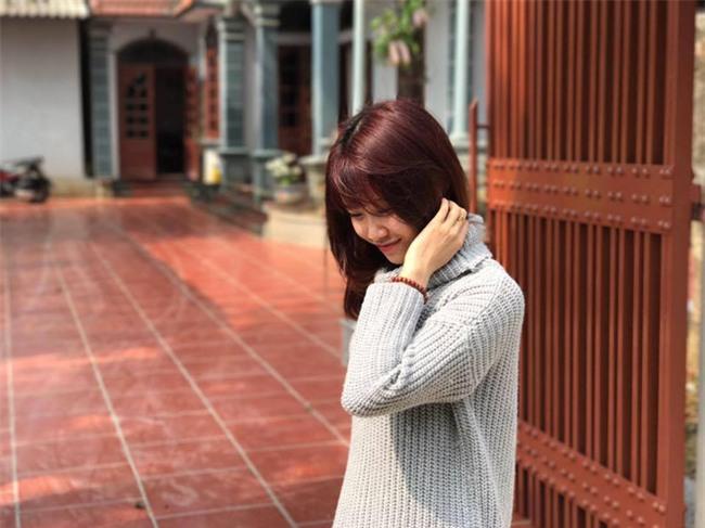 Dân mạng truy tìm bạn gái mới của Văn Toàn - Ảnh 8.