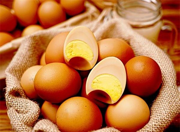 trứng gà, trứng gia cầm, thực phẩm nhập ngoại, đặc sản nhà giàu