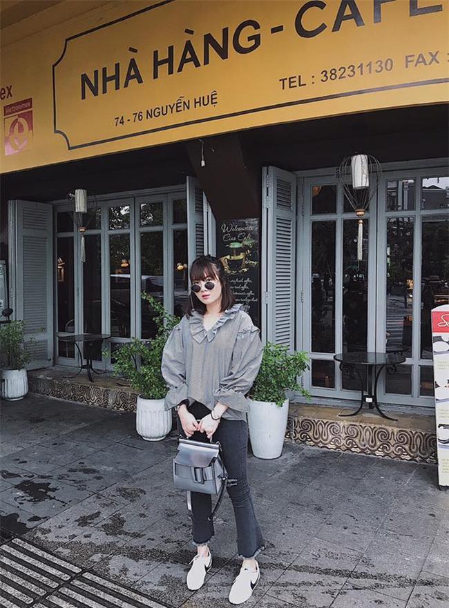 Hà Hồ và tình mới của Cường Đô la cùng mặc áo phông trắng, ai phong cách hơn ai - Ảnh 18.