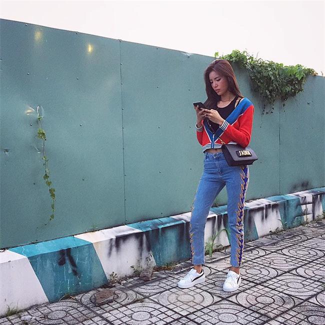 Hà Hồ và tình mới của Cường Đô la cùng mặc áo phông trắng, ai phong cách hơn ai - Ảnh 19.