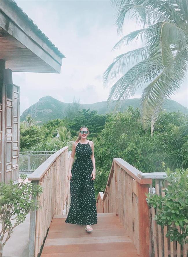 Hà Hồ và tình mới của Cường Đô la cùng mặc áo phông trắng, ai phong cách hơn ai - Ảnh 20.