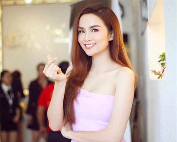 Hoa hậu Diễm Hương: Trong thời gian trầm cảm, tạm thời đừng nói chuyện với chồng - Ảnh 1.