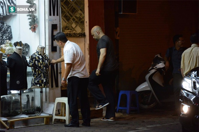Võ sư Flores đến võ đường Vịnh Xuân ngay trong đêm, chờ ngày gặp ông Huỳnh Tuấn Kiệt - Ảnh 2.