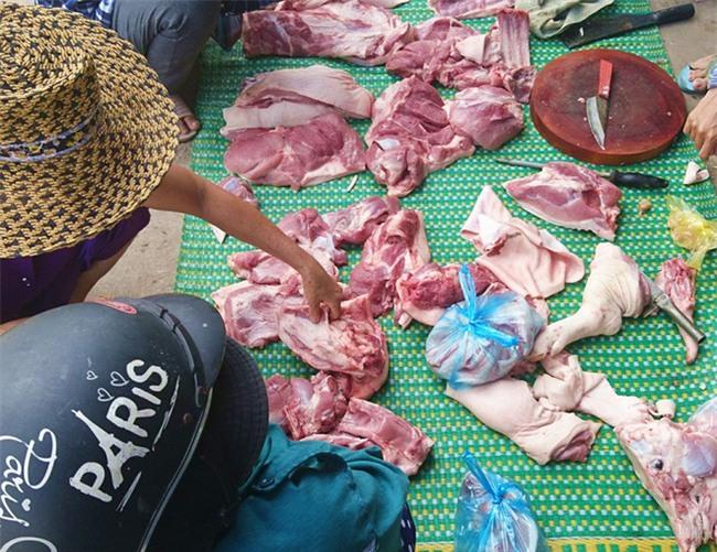 Thực hư chuyện thịt heo 100.000/3kg bán tràn lan khắp lề đường Sài Gòn - Ảnh 9.