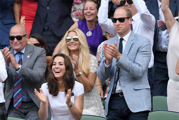 Dan khach VIP chung kien Federer lap chien cong vi dai hinh anh 2