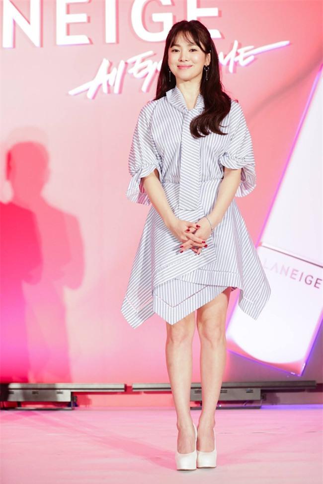 Vóc dáng thấp bé nhưng Song Hye Kyo vẫn luôn mặc đẹp nhờ vào 5 bí kíp này - Ảnh 14.