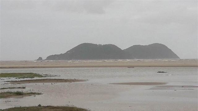 Đảo Ngư - nơi tàu chở than Quảng Ninh bị chìm, làm 13 người mất tích.