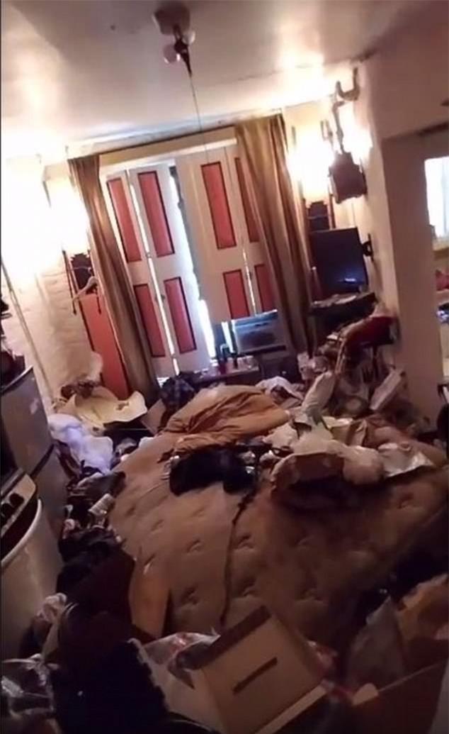 Quản lý tòa nhà tá hỏa khi thấy cảnh tượng ngổn ngang bên trong căn hộ của kẻ thuê nhà bẩn nhất Manhattan, Mỹ - Ảnh 4.