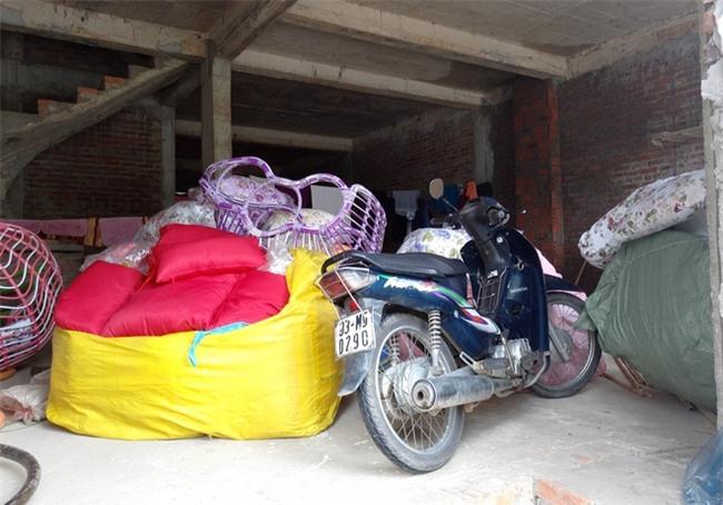 Hà Nội: Sau 1 ngày mưa bão, hàng chục căn biệt thự tại Thiên đường Bảo Sơn vẫn ngập chìm trong nước - Ảnh 2.
