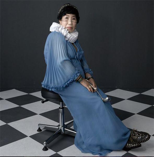 """Bà ngoại Hàn Quốc trở thành """"hiện tượng mạng"""" với kênh dạy trang điểm thu hút giới trẻ - Ảnh 7."""