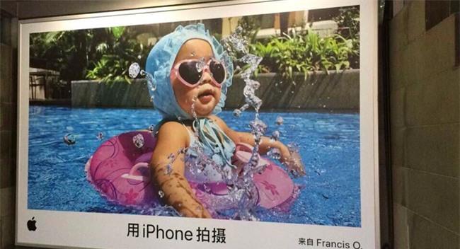 Cô bé 2 tuổi xinh xắn này đã vô tình nổi tiếng toàn cầu vì ông chú chụp ảnh rất có tâm - Ảnh 7.