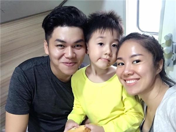 Bạn trai Lê Phương cũng rất thân thiết với con trai riêng của cô. - Tin sao Viet - Tin tuc sao Viet - Scandal sao Viet - Tin tuc cua Sao - Tin cua Sao