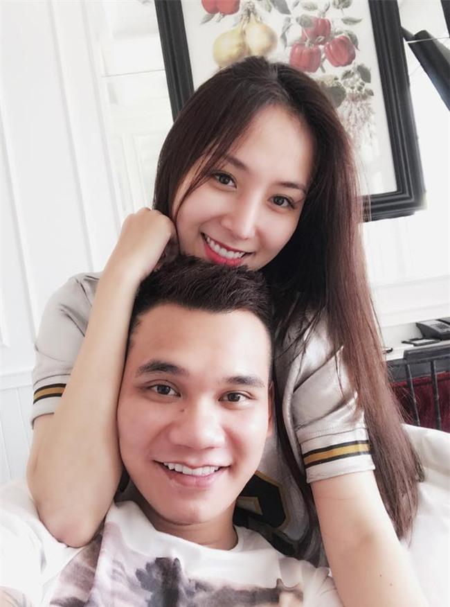 Khắc Việt khoe bạn gái xinh như hot girl, tiết lộ sắp tổ chức đám cưới vào cuối năm - Ảnh 1.