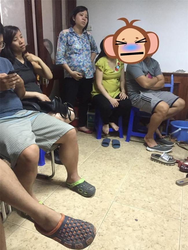 Chị em dậy sóng vì các quý ông chồng vô tư chiếm chỗ, ngồi rung đùi bấm điện thoại tí tách trong phòng khám thai - Ảnh 2.