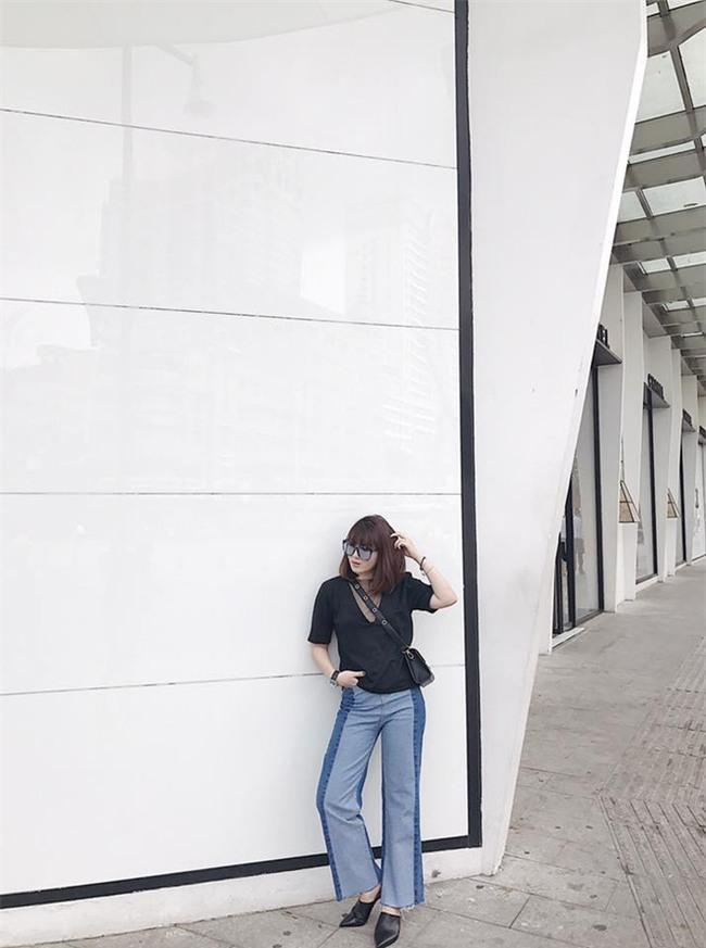Không hẹn mà gặp, Hoàng Thùy - Minh Tú cùng diện blazer trắng và jeans rách trong street style tuần này - Ảnh 20.