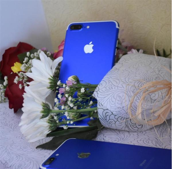 Tại thành phố xa hoa Dubai, iPhone cũng phải sang chảnh đến mức này mới chịu được - Ảnh 1.