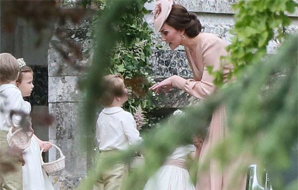 Cách dạy con vô cùng nghiêm khắc của cặp vợ chồng Kate Middleton khiến cả thế giới phải chú ý - Ảnh 3.