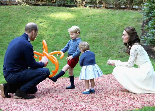 Cách dạy con vô cùng nghiêm khắc của cặp vợ chồng Kate Middleton khiến cả thế giới phải chú ý - Ảnh 4.