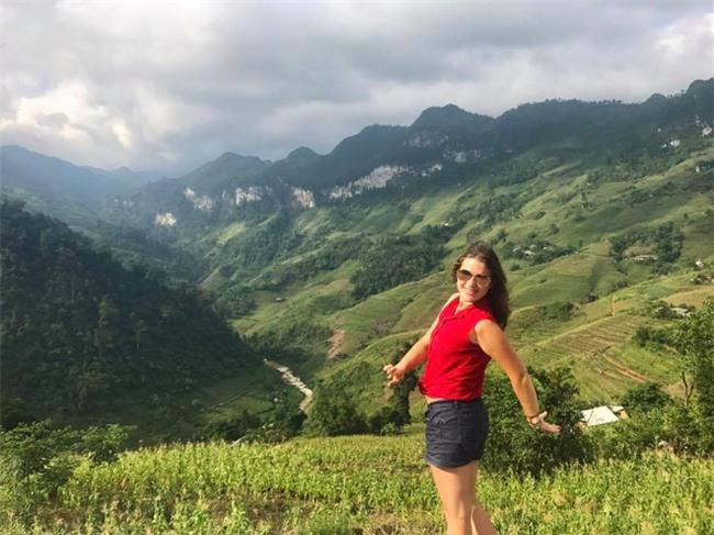 Nữ du khách nước ngoài đi xuyên Việt bị trộm mất xe đạp khi vừa đến Sài Gòn: Bật khóc vì quá sức chịu đựng - Ảnh 9.