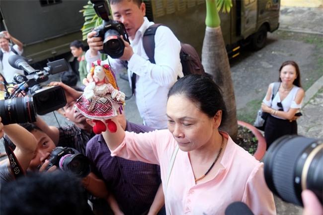 Mẹ hoa hậu Phương Nga cho biết con gái mắc bệnh viêm phổi, sức khỏe ngày càng xuống dốc - Ảnh 5.