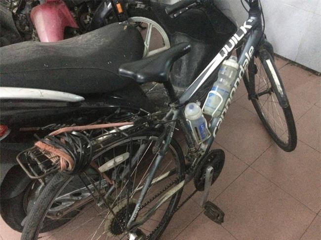 Bắt đối tượng trộm xe đạp từng xuyên Việt của cô gái nước ngoài ở TP.HCM - Ảnh 1.