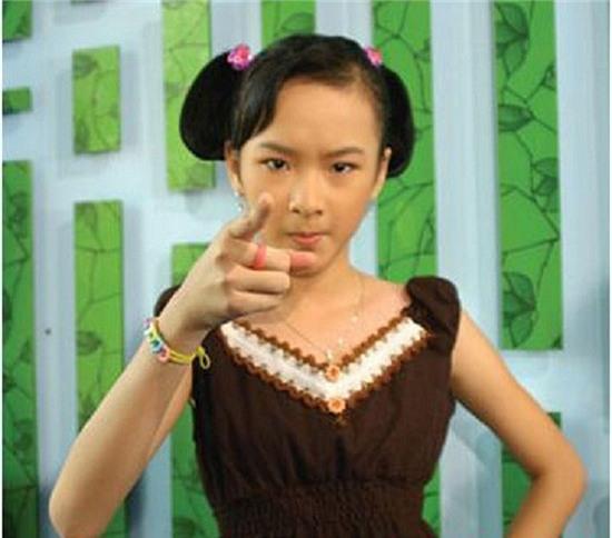 """Hở bạo là cách """"lột xác"""" để trưởng thành của Angela Phương Trinh, Tóc Tiên? - 5"""