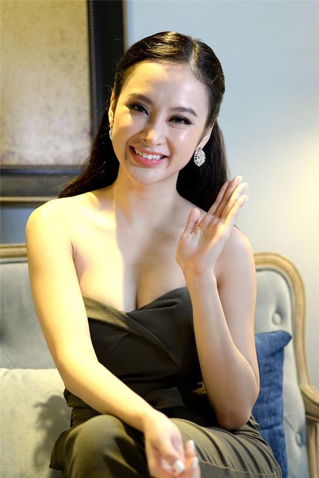 """Hở bạo là cách """"lột xác"""" để trưởng thành của Angela Phương Trinh, Tóc Tiên? - 6"""