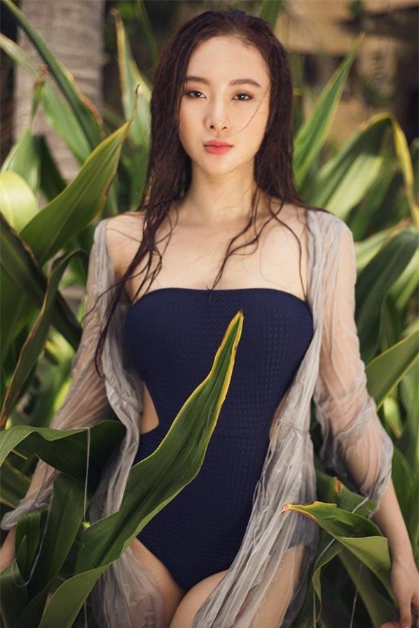 """Hở bạo là cách """"lột xác"""" để trưởng thành của Angela Phương Trinh, Tóc Tiên? - 7"""