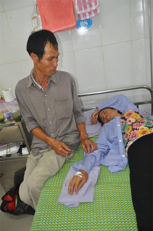 Gia cảnh kiệt quệ của người phụ nữ bán tăm bị đánh oan đến nhập viện vì nghi bắt cóc - Ảnh 2.
