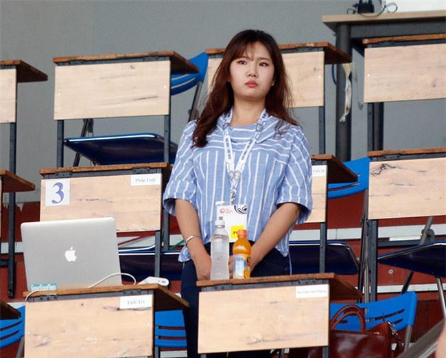 """Nữ phóng viên xinh đẹp Hàn Quốc """"phải lòng"""" Công Phượng - 1"""
