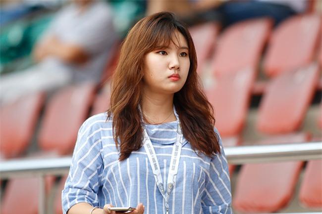 """Nữ phóng viên xinh đẹp Hàn Quốc """"phải lòng"""" Công Phượng - 5"""