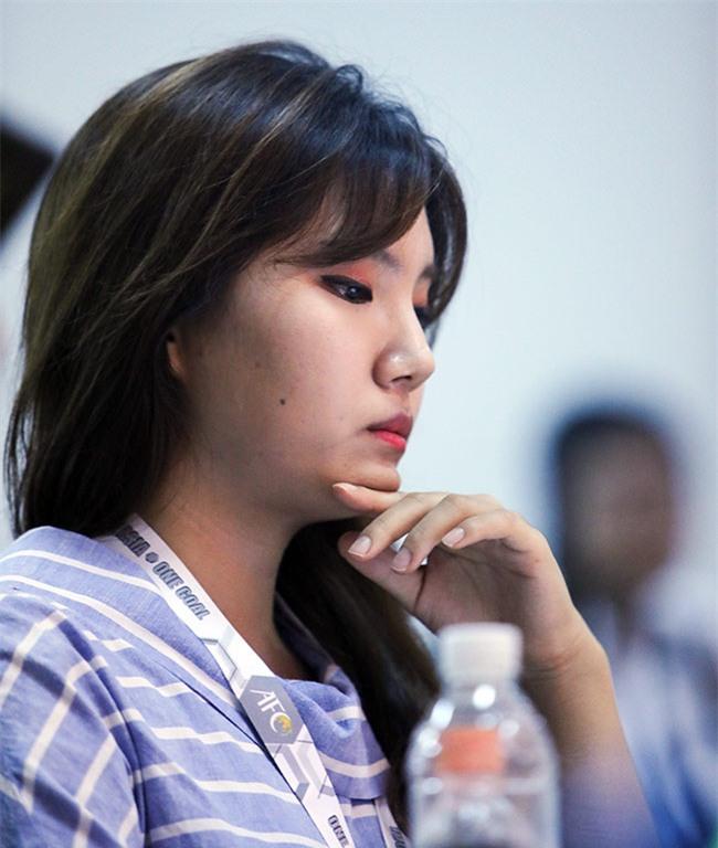 """Nữ phóng viên xinh đẹp Hàn Quốc """"phải lòng"""" Công Phượng - 6"""