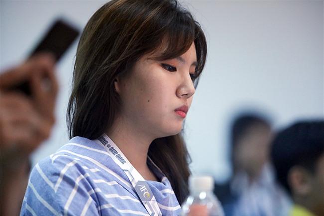 """Nữ phóng viên xinh đẹp Hàn Quốc """"phải lòng"""" Công Phượng - 7"""