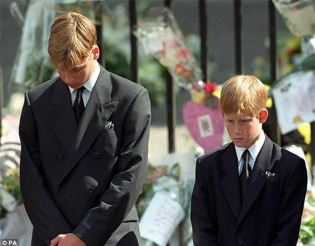 Hai hoàng tử tiết lộ cuộc điện thoại cuối cùng với mẹ Diana và cả góc bí mật thú vị ít người biết về bà - Ảnh 2.