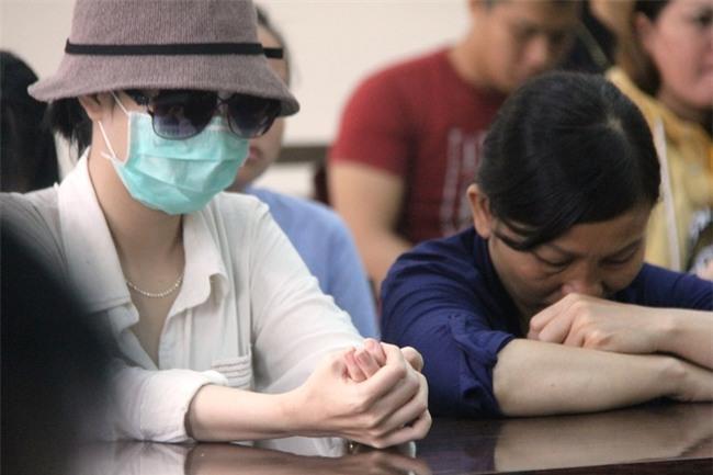 Mẹ của nữ sinh bị tạt axit cho biết chưa nhận được 300 triệu của Trương Ngọc Ánh hứa cho con gái - Ảnh 5.