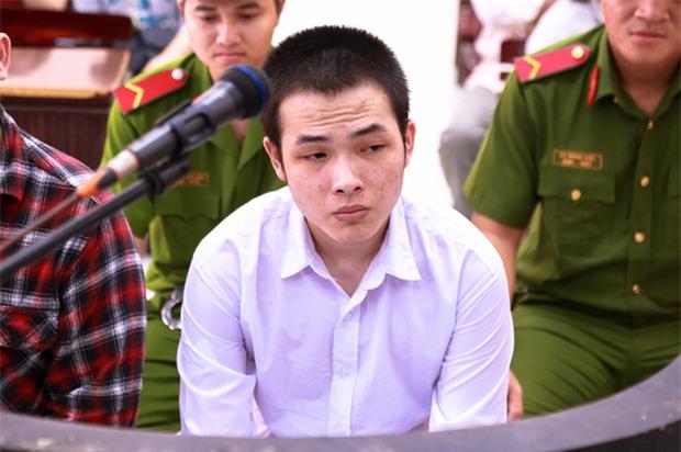 """Mẹ nữ sinh bị tạt axit ở Sài Gòn bật khóc: """"Quyên làm con tôi ra nông nỗi này mà còn chối tội"""" - Ảnh 6."""