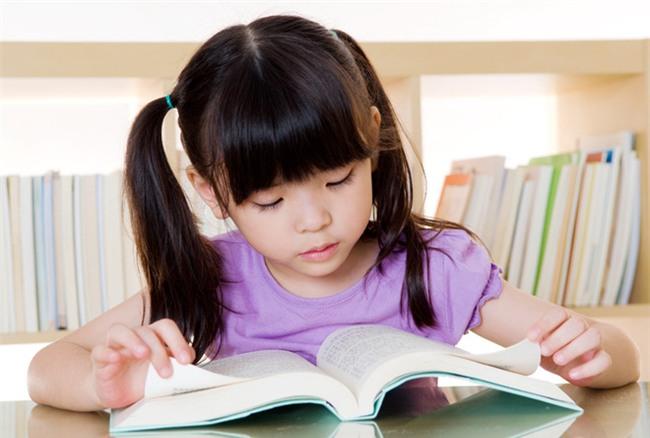 Để con chuyển từ mẫu giáo lên lớp 1 không bị hẫng, ngay bây giờ cha mẹ phải làm những việc sau - Ảnh 4.