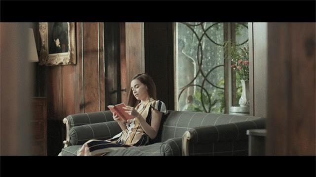 Nín thở với loạt nụ hôn, cảnh nóng của Hồ Ngọc Hà và Kim Lý trong MV Cả một trời thương nhớ - Ảnh 5.