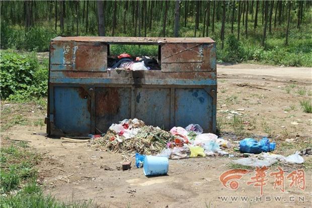 Người đàn ông đâm phải bé trai 5 tuổi, giả vờ đưa đi điều trị nhưng nhẫn tâm vứt em vào thùng rác - Ảnh 3.