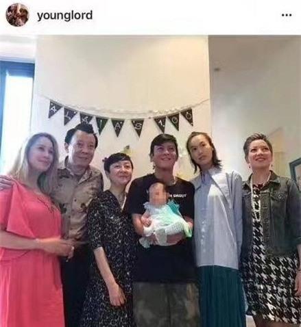 10 năm sau scandal ảnh nóng, Trần Quán Hy của hiện tại đã trở thành bố ngoan - Ảnh 4.