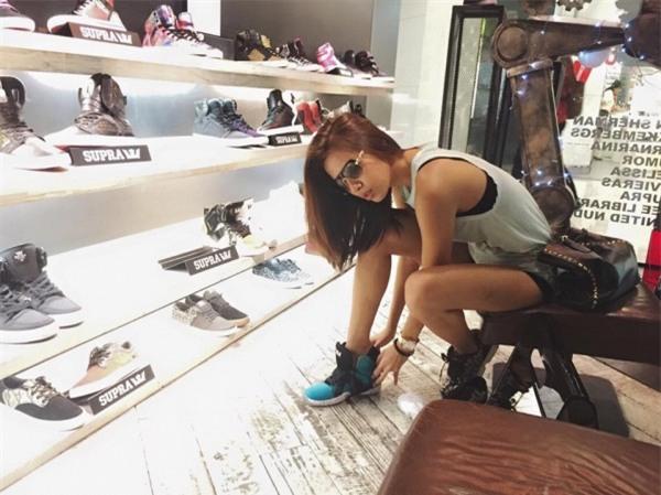 3 người đẹp này xứng đáng là tay chơi giày thể thao trong showbiz Việt - Ảnh 2.