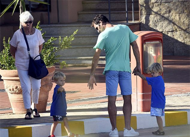 Federer sac lai nang luong sau chuc vo dich Wimbledon hinh anh 2